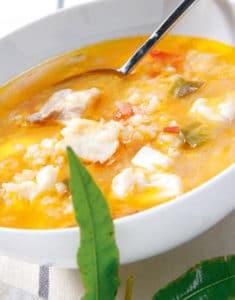 Sopa de arroz con rape